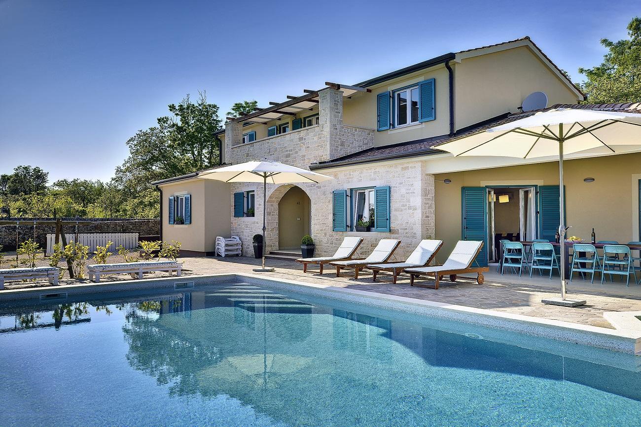 villa 112 istrien blaue adria ferienwohnungen und. Black Bedroom Furniture Sets. Home Design Ideas
