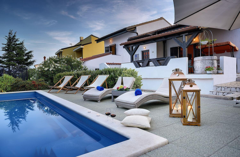 villa 638 istrien blaue adria ferienwohnungen und. Black Bedroom Furniture Sets. Home Design Ideas